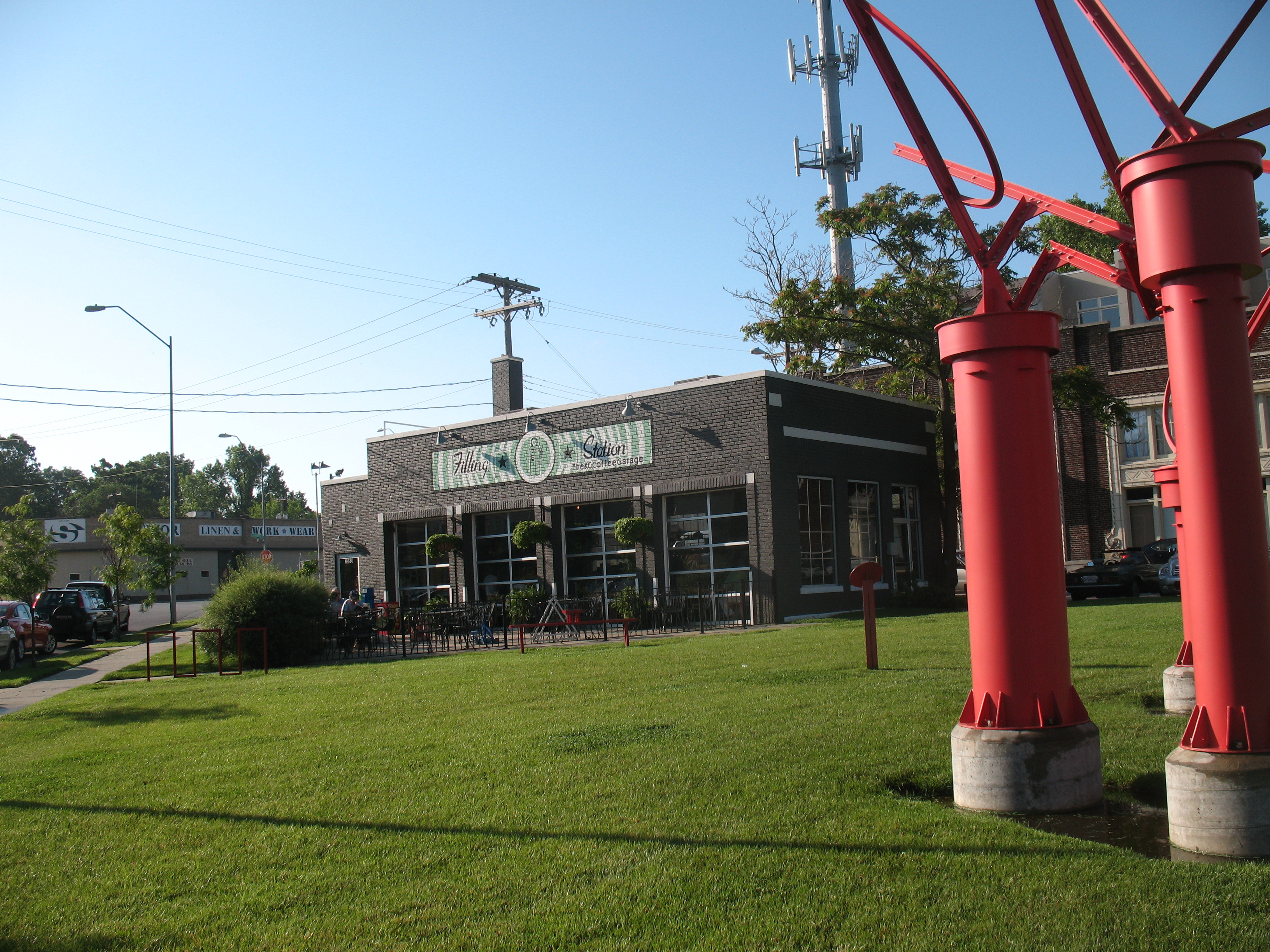 The Filling Station Kansas City S Coffee Garage Pat Murfey S Off The Beaten Path Restaurant Review